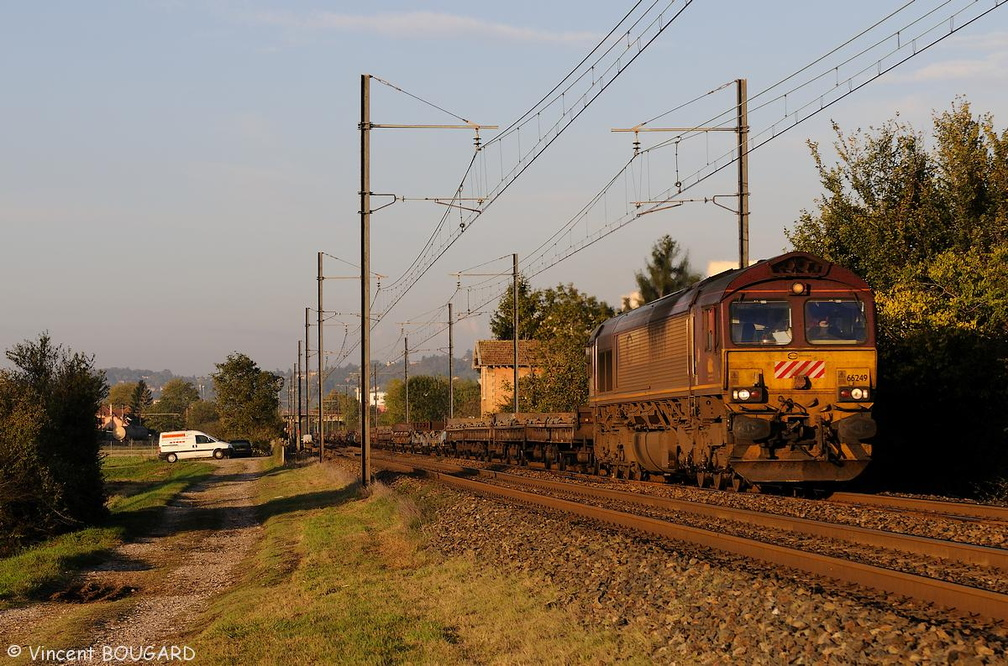 Class 66249 at Beynost.