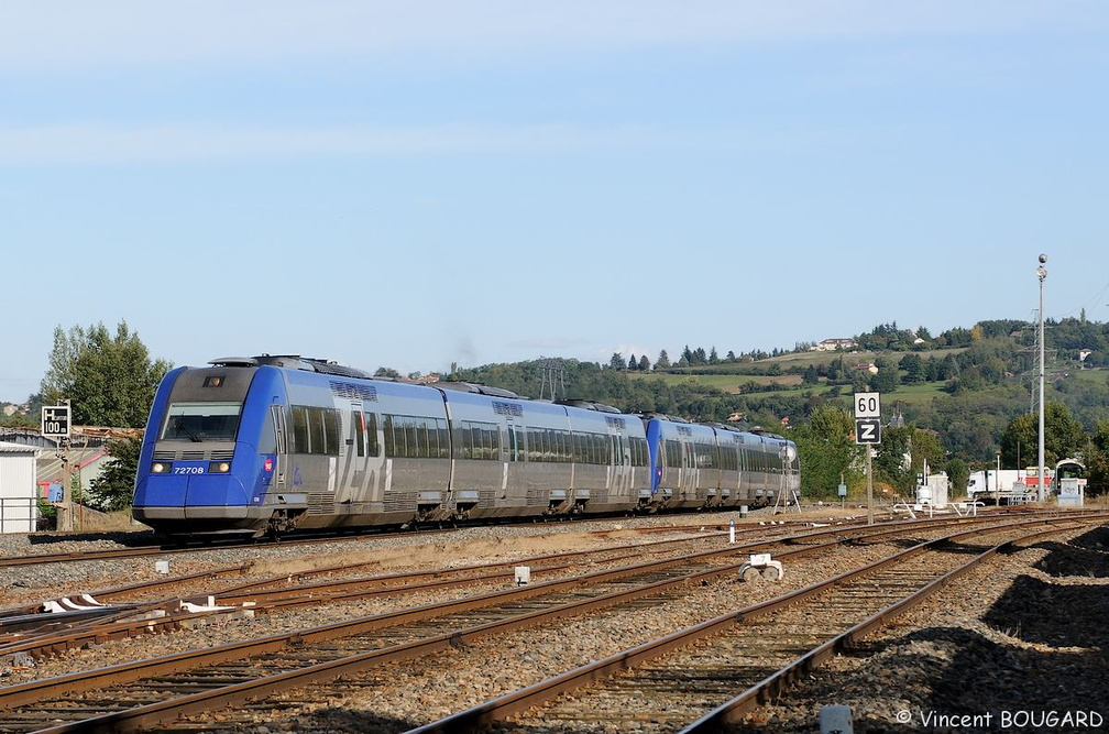 X72708 and X72682 at Lozanne.