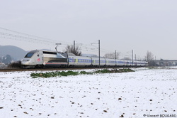 TGV POS 4402 at Beynost.